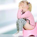 Ini Gejala dan Penyebab Konstipasi pada Anak